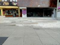 zapuštěné schodiště (jpg; 3 MB)